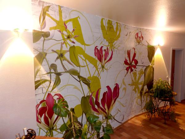 kreative wandgestaltung referenzen mit farbe lila
